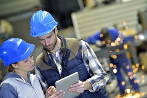 Manufacturing goes digital: Impacts on the shop floor